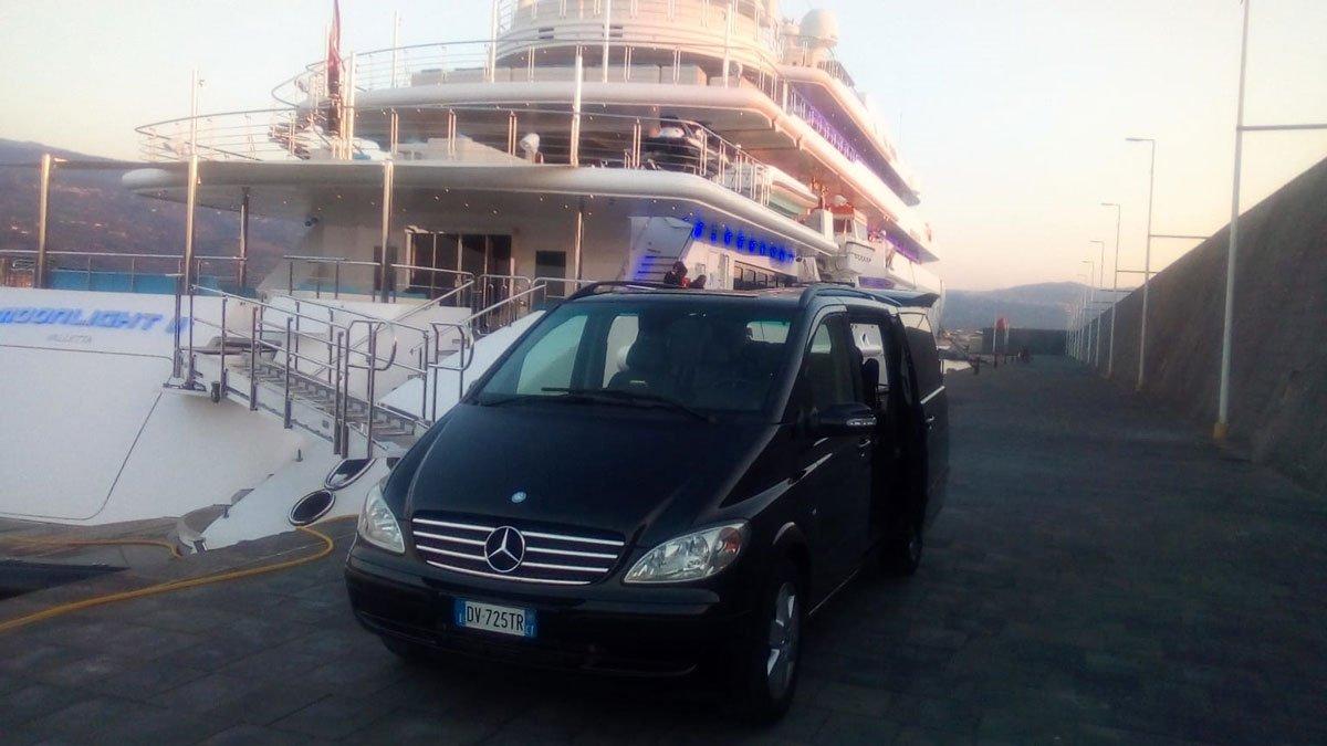 Noleggio con conducente al porto di catania per una escursione