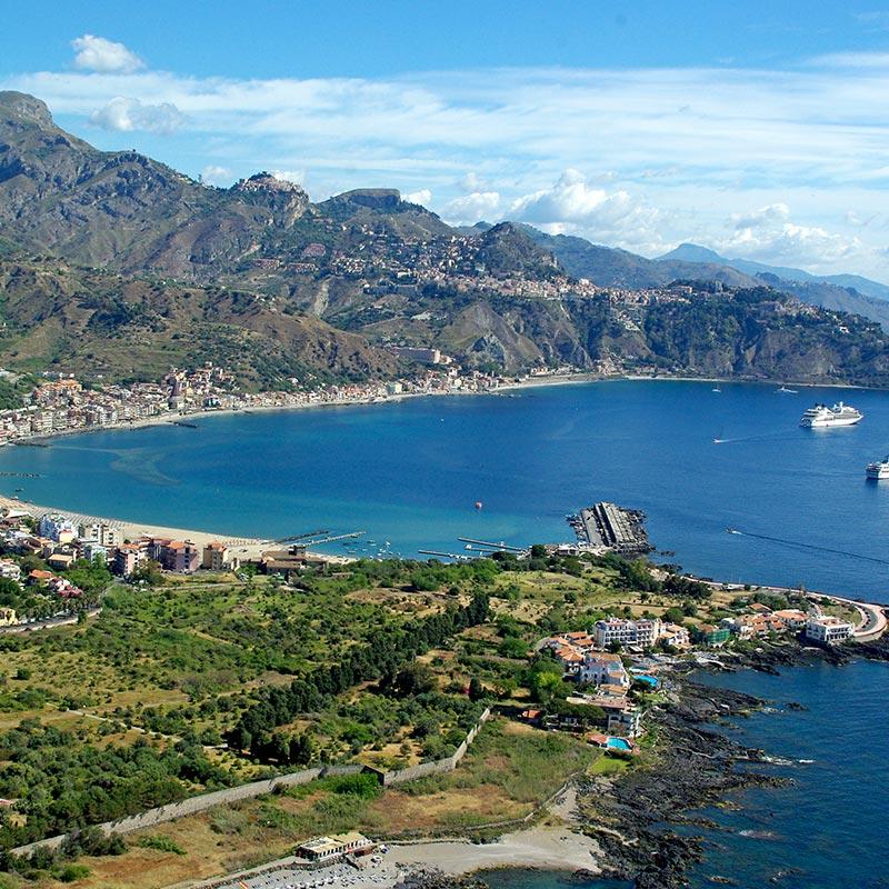 Baia di Taormina Sicilia - Foto Panoramica dall'alto