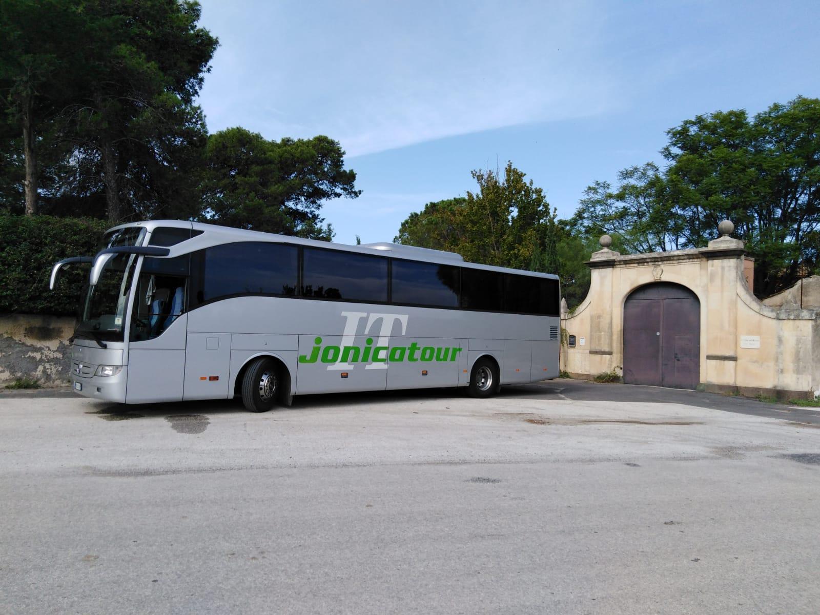 Jonicatour e il suo Bus GT in gita in Sicilia
